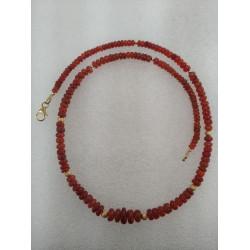 Ожерелье с оранжевым опалом.