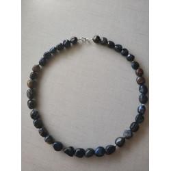 Ожерелье с петерситом.