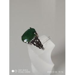 .טבעת עם אמרלד