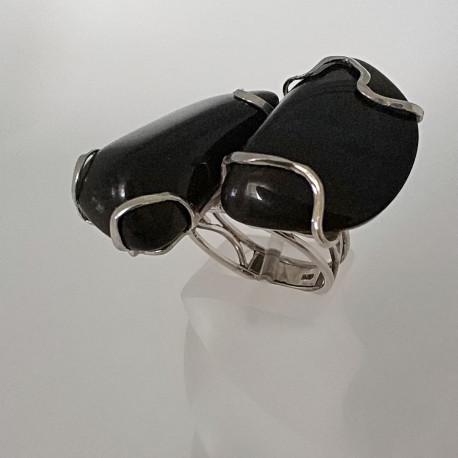 Кольцо с чёрным нефритом.
