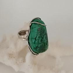 .טבעת עם מלכית